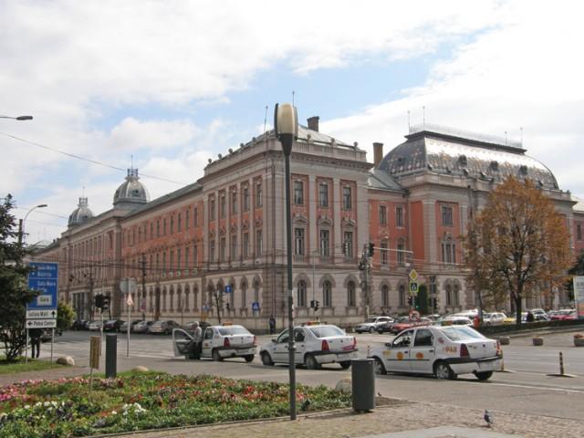 Repräsentative Gebäude in Cluj sind schmuck restauriert.